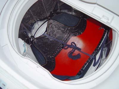 剣道の防具を洗濯クリーニングしました。ニオイとりです。